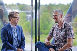 Martin Lippert, CEO i GlobalConnect, og Trond Dalsveen, leder IT-Drift & Infrastruktur i Multiconsult.